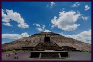 La pyramide de Teotihuacan - tirage tarot et voyance sentimentale